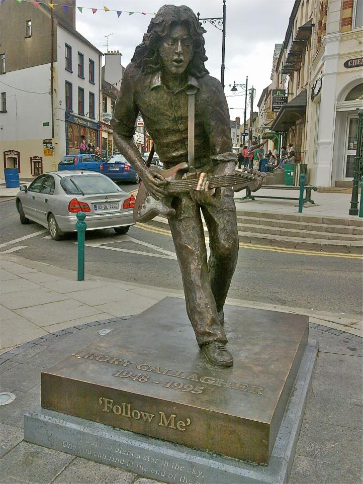 rory_gallagher_statue_-_ballyshannon
